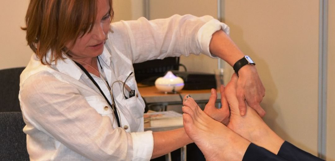 The benefits of aromatherapy and reflexology for those with dementia